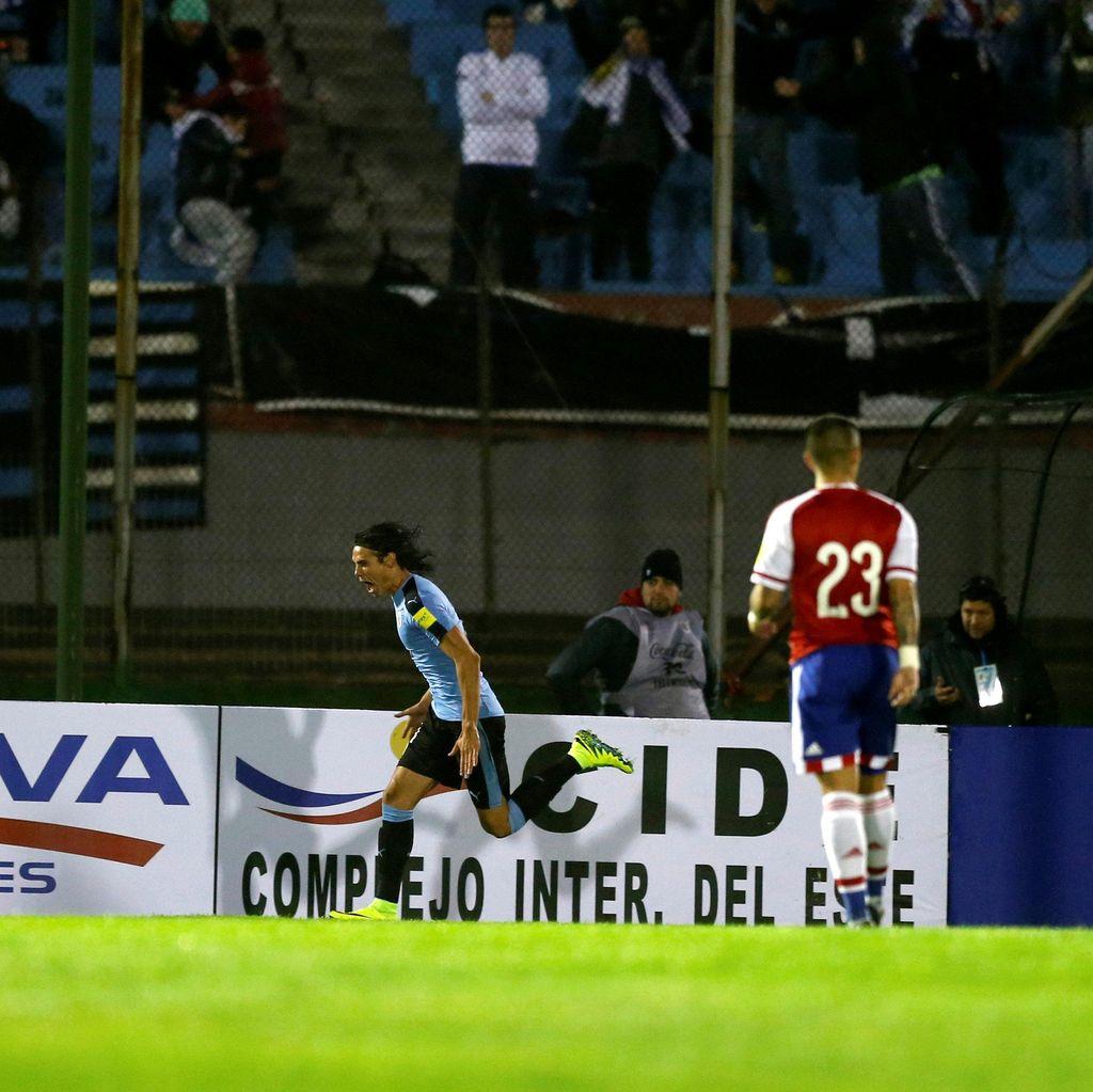 Uruguay Hajar Paraguay 4-0