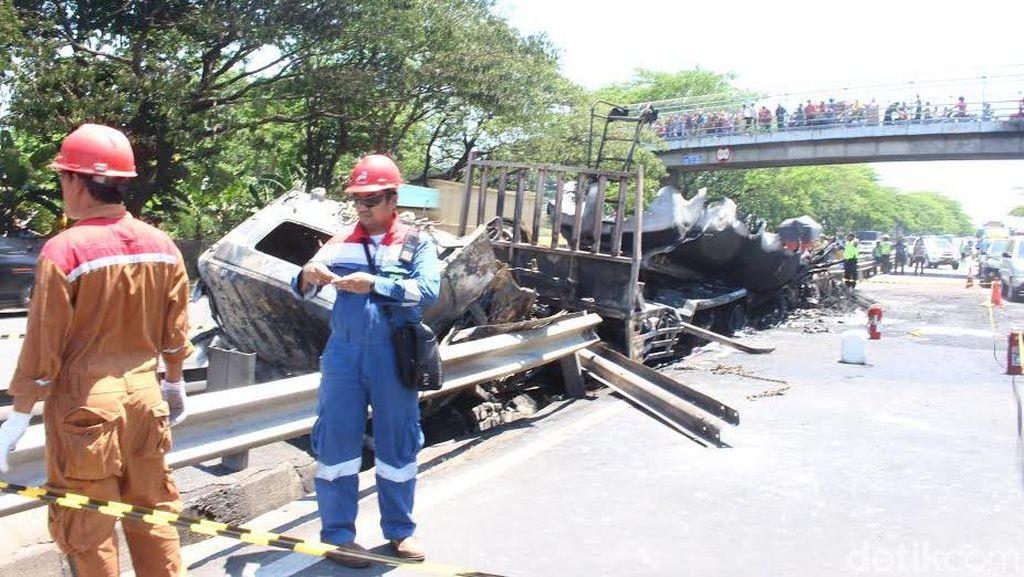 Pertamina Sudah Asuransikan Truk Tangki yang Terbakar di Tol Porong