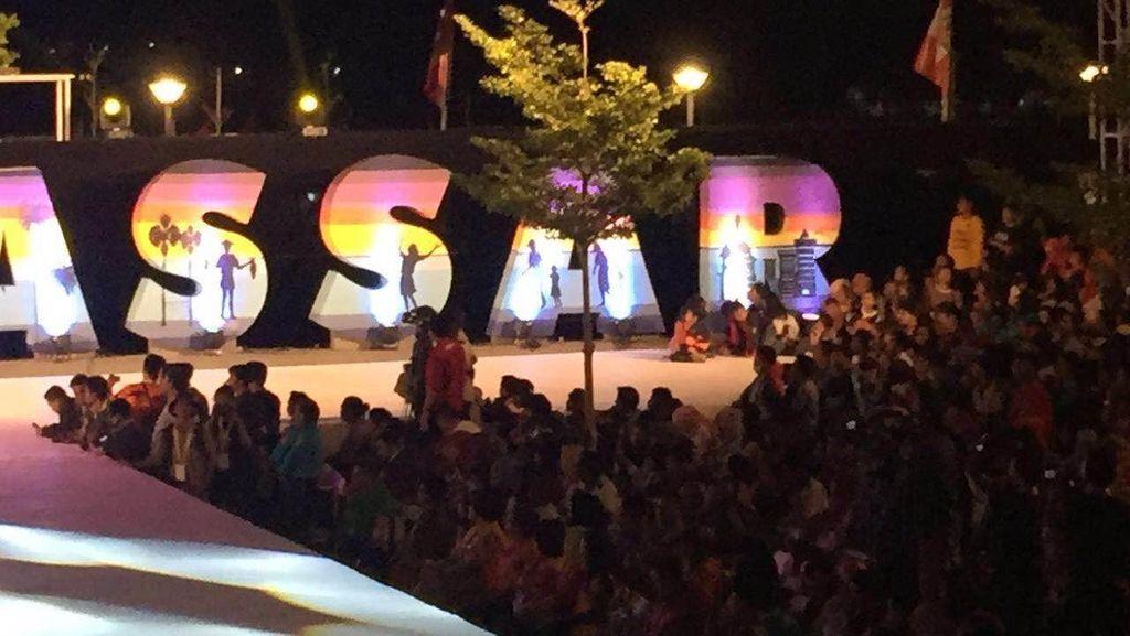 Pesta Kembang Api dan Tari Kolosal Awali Festival F8 Makassar