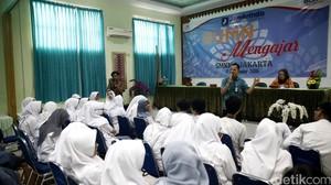 Kepala Jamkrindo Mengajar di SMKN 3