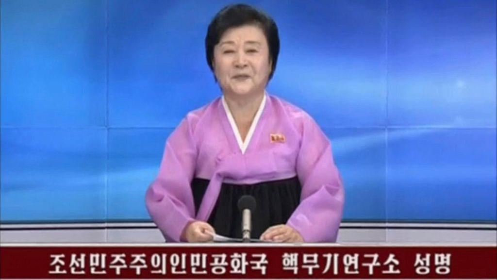 Jadi Penyiar Berita Terkenal, Nenek Ini Umumkan Uji Coba Nuklir