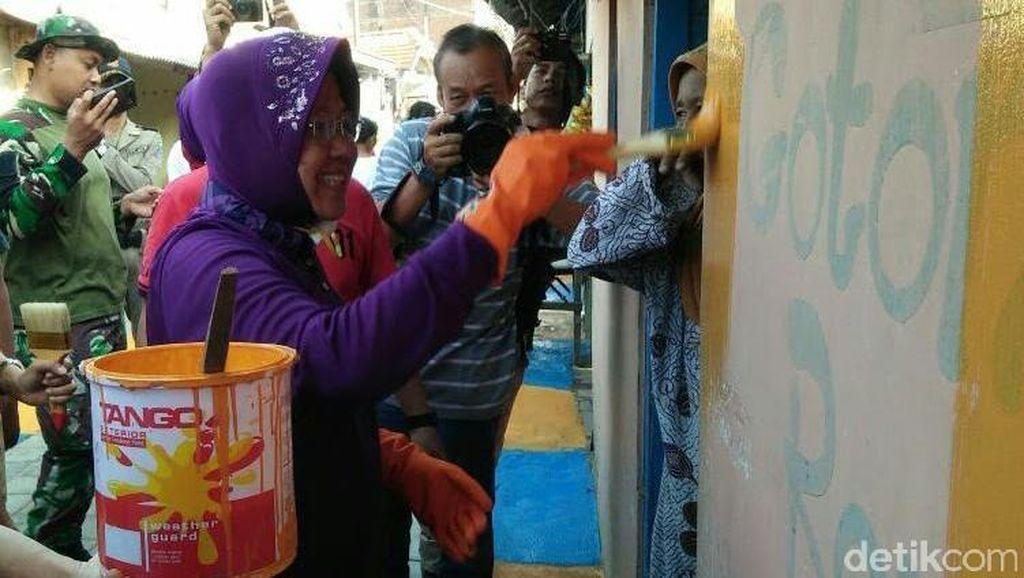 Risma Turun Tangan Percantik Rumah di Kampung Nelayan Bulak