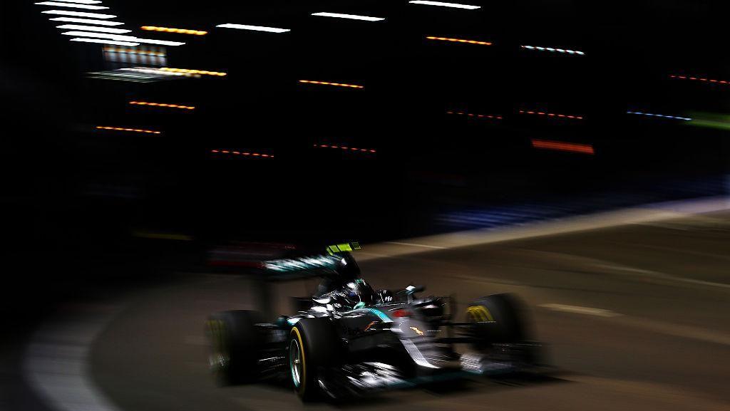 Rosberg Juara dan Pimpin Klasemen