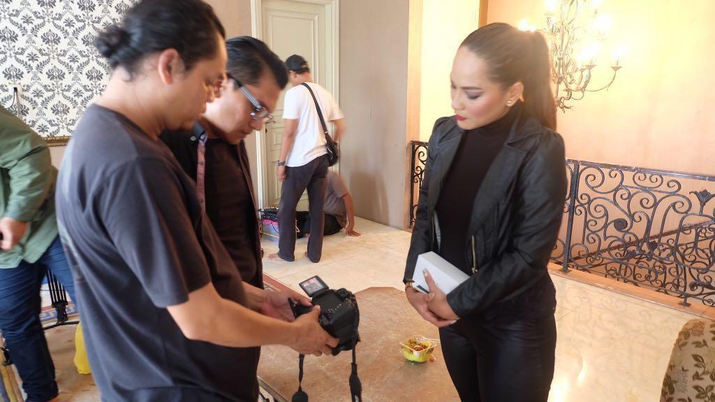 Jenny Cortez Jadi Pencuri di The Man From Bekasi