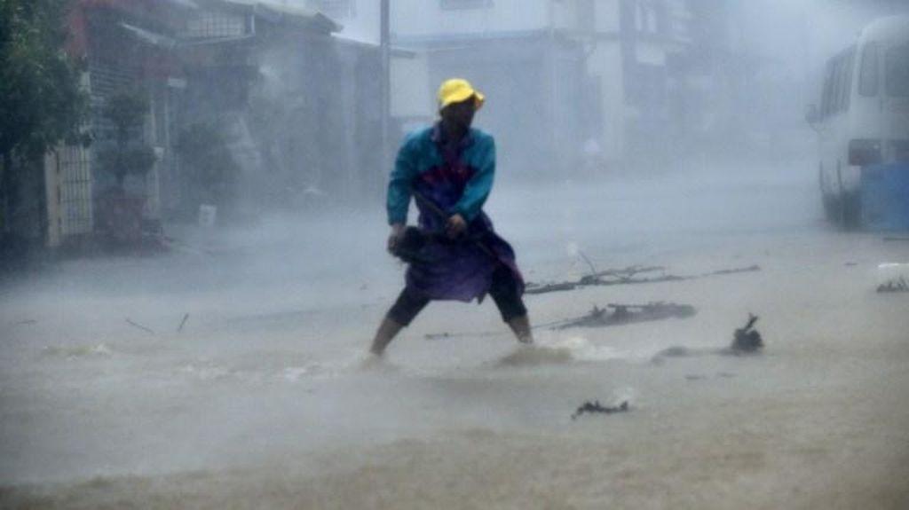 Taiwan Diterjang Topan Meranti, Terkuat di Dunia untuk Tahun Ini