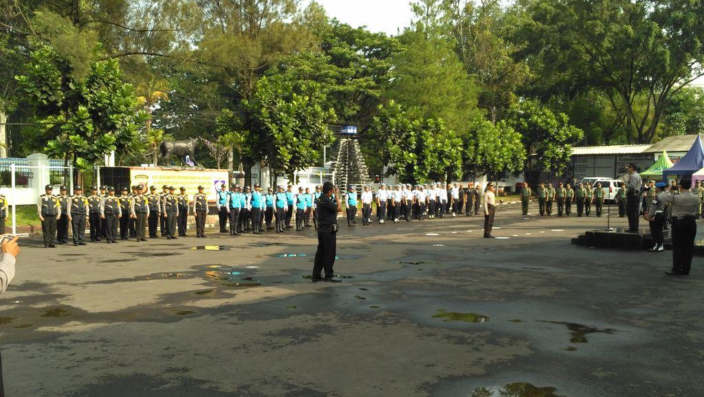 Jelang Pembukaan PON XIX, Polrestabes Bandung Gelar Apel