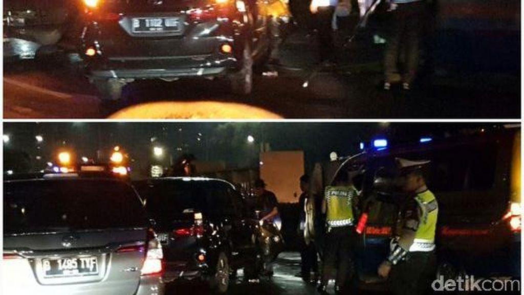 Sopir Mengantuk, Mobil Tabrak Separator Busway di Semanggi Jakarta Selatan