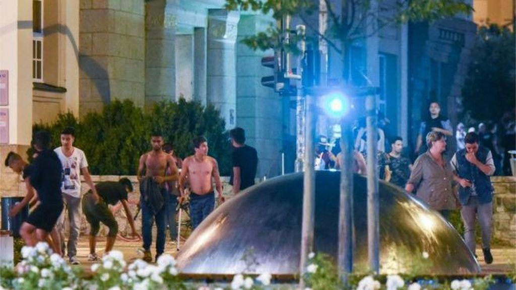 Pencari Suaka Bentrok dengan Warga di Jerman, Polisi Berlakukan Jam Malam