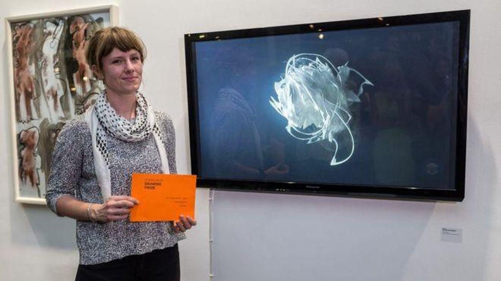 Video Art Tinta Putih Sedang Berputar-putar Raih Penghargaan