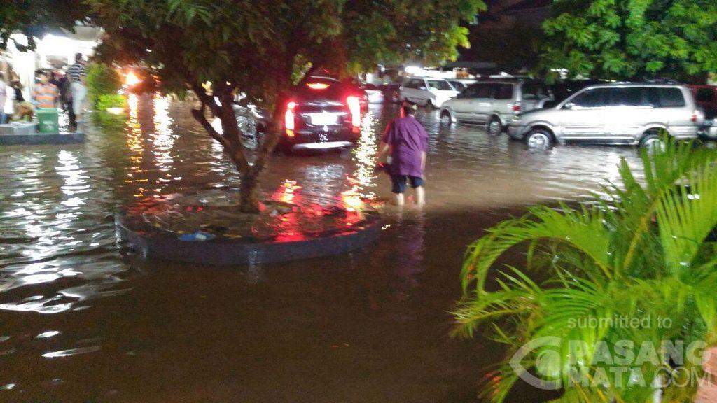 Diguyur Hujan, Sebuah Pondok Pesantren di Jaktim Kebanjiran