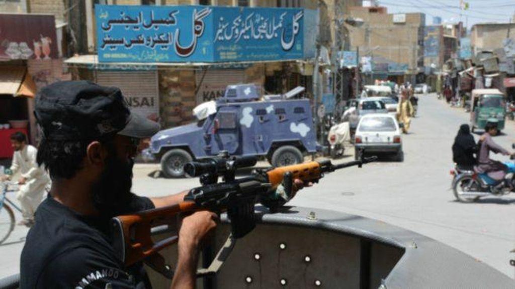 Bom Bunuh Diri Saat Salat Jumat di Masjid Pakistan, 23 Orang Tewas