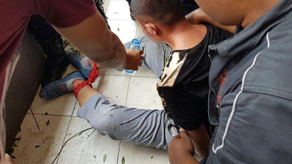 Percobaan Bunuh Diri WN China Digagalkan Polisi di Tamansari
