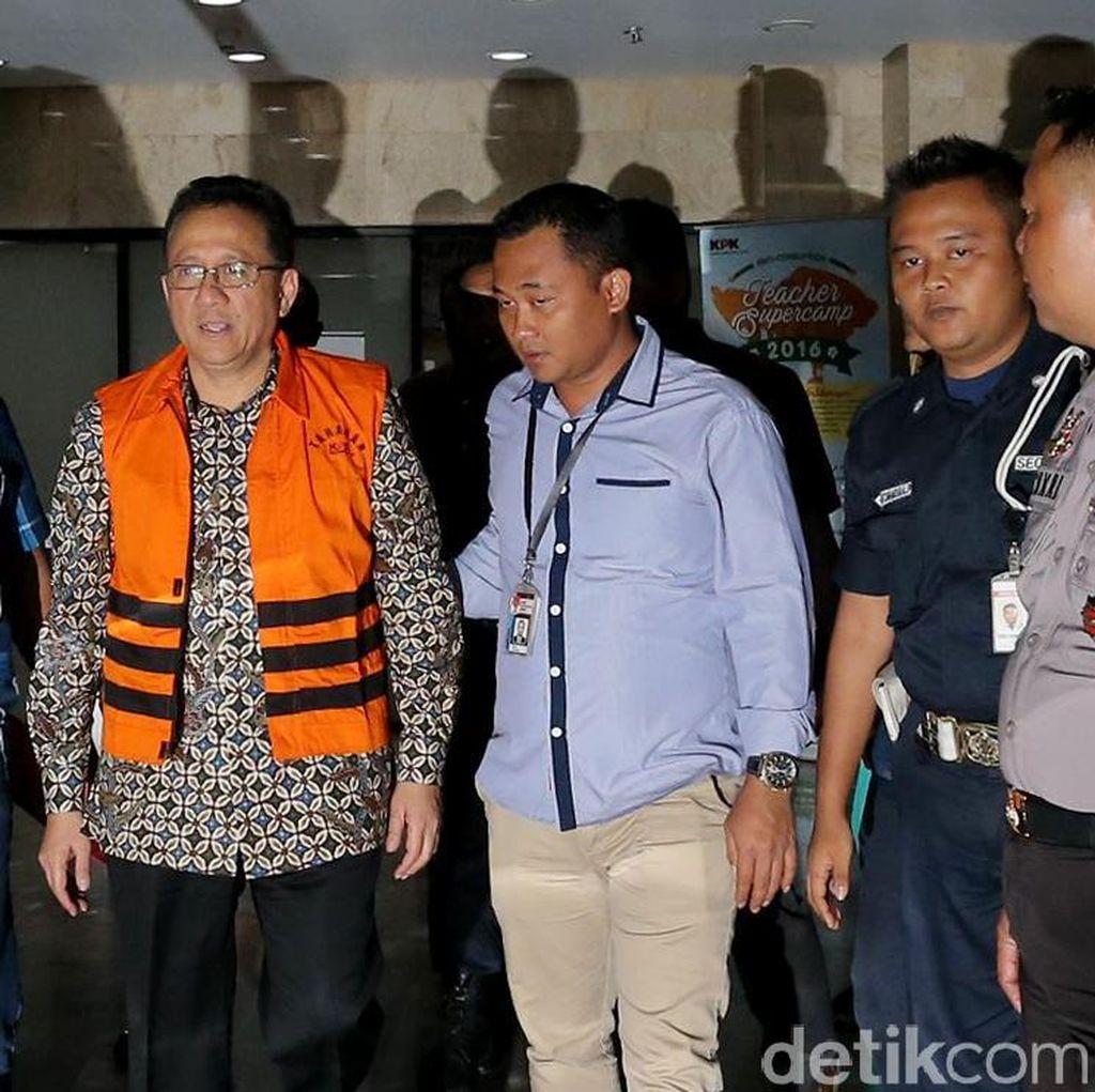 KPK Periksa Dirut Bulog Jadi Saksi Kasus Suap Gula Impor Irman Gusman