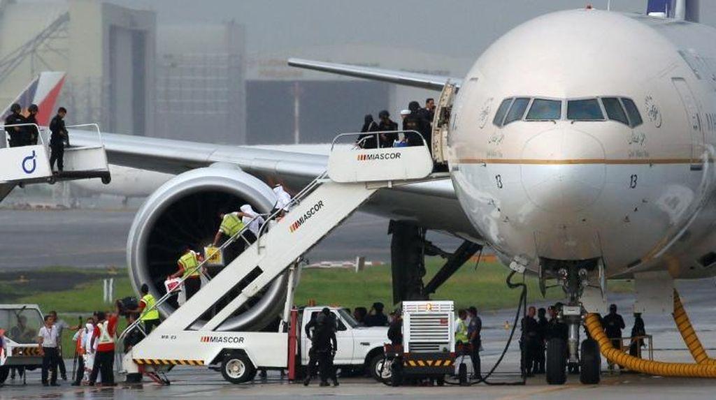 Pesawat Saudi Diisolasi di Bandara Manila