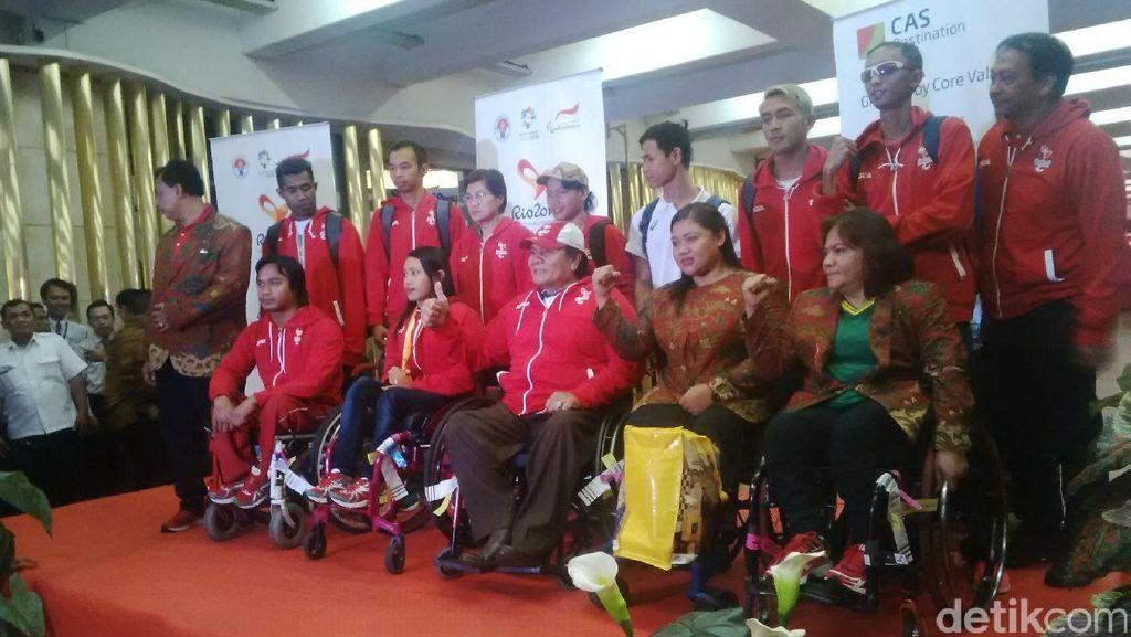 Menpora Sambut Kedatangan Atlet Paralimpiade