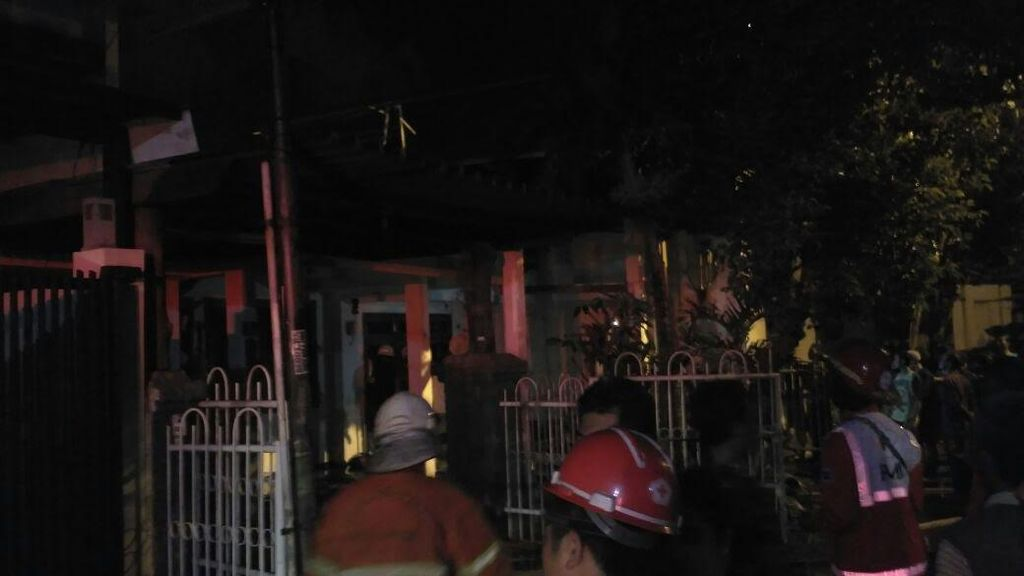 Kebakaran di Tenggilis, Pemilik Rumah Tewas Terbakar