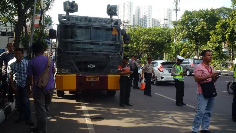 Begini Suasana Pengamanan di KPUD DKI Jelang Kedatangan Ahok-Djarot