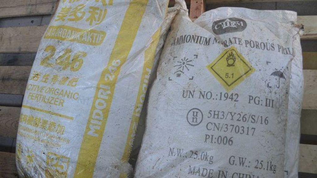 Polisi Bali Temukan 1.500 Karung Ammonium Nitrat di Kapal, 6 Orang Ditahan