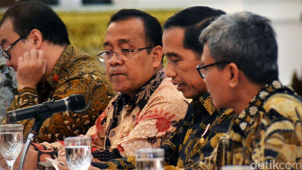 Jokowi Telah Mendengar Usulan Sanksi Sosial Nyapu Jalan Bagi Koruptor