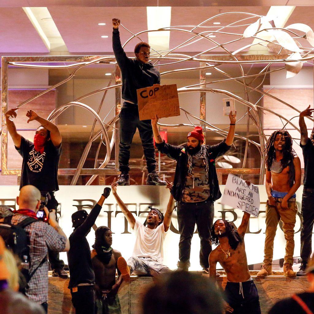 Kerusuhan Terus Berlanjut, Gubernur North Carolina Tetapkan Keadaan Darurat