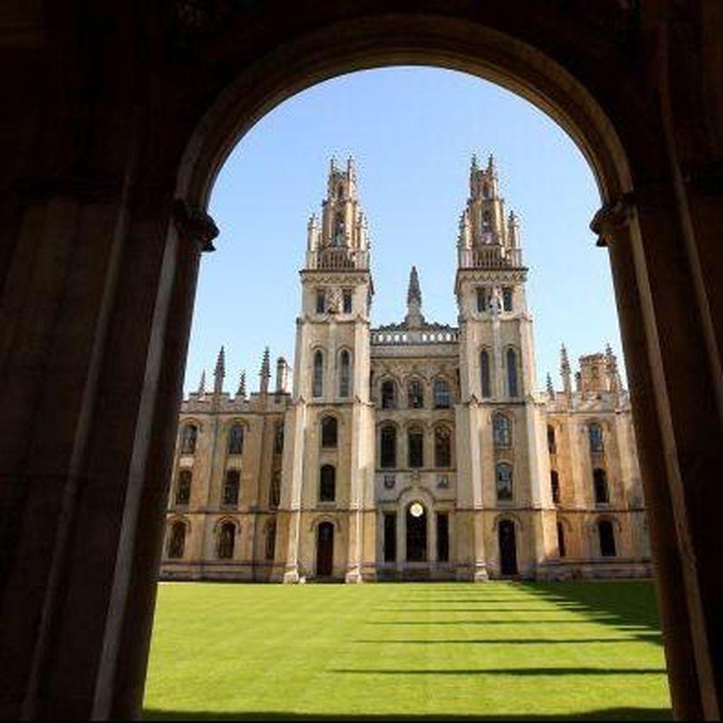 Bagaimana Universitas Duduki Peringkat Dunia?