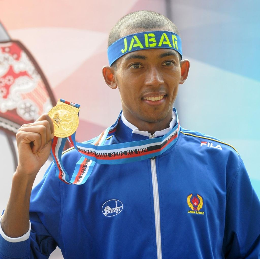 Agus Prayogo Gondol Emas Lari 5.000 Meter