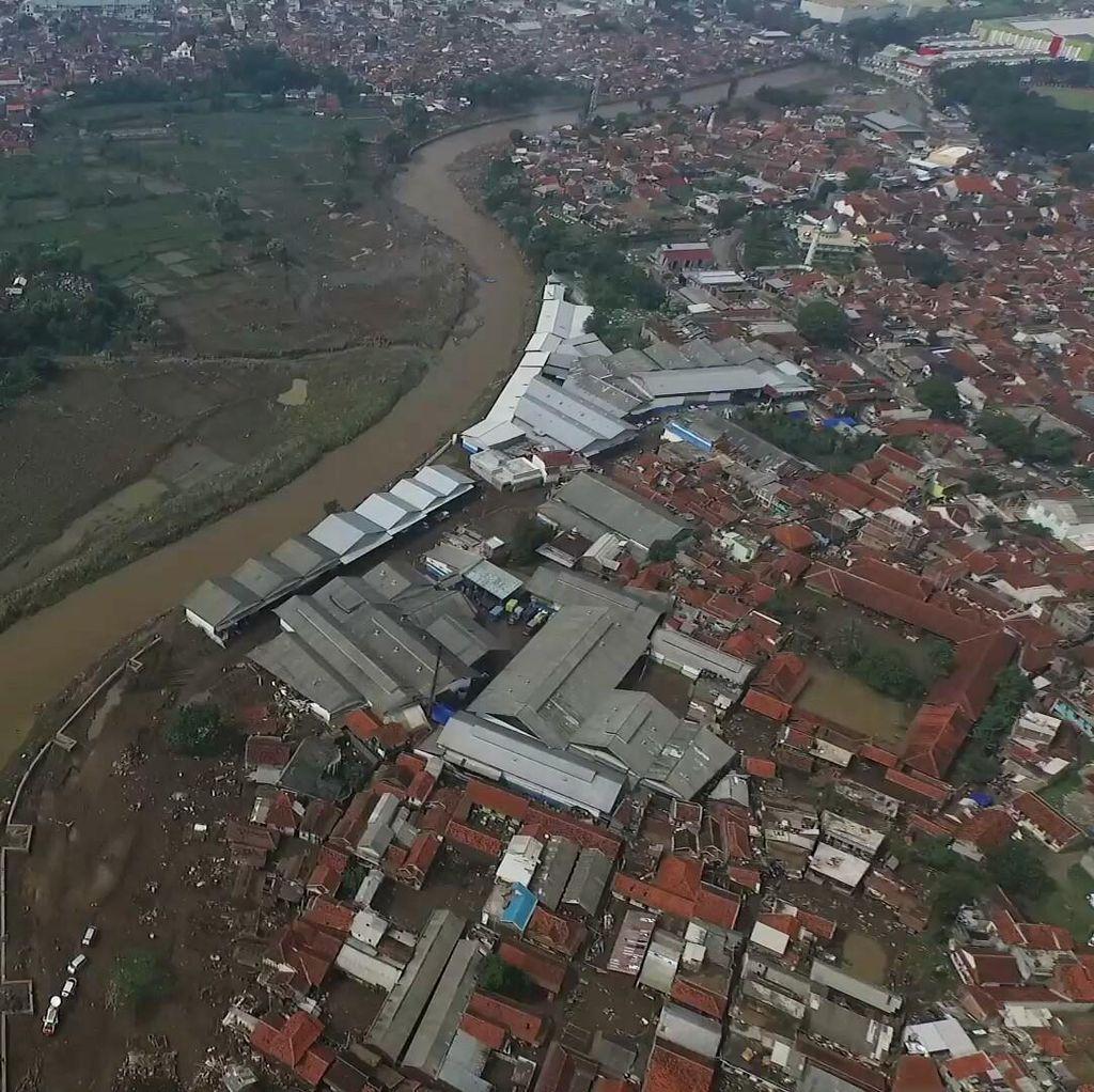 1 Jenazah Wanita Korban Banjir Bandang Garut Ditemukan di Sumedang