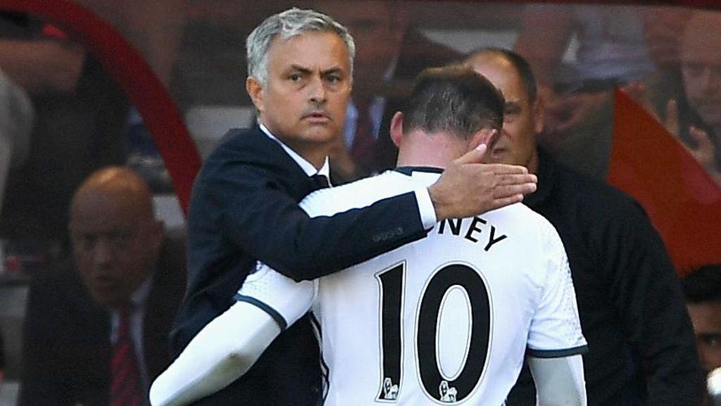 Mourinho: Jika Harus Dicadangkan, Rooney Akan Dicadangkan