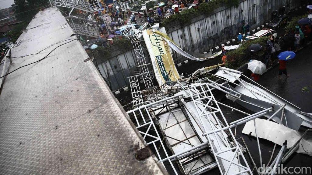 Korban Tewas JPO Ambruk di Pasar Minggu Jadi 4 Orang