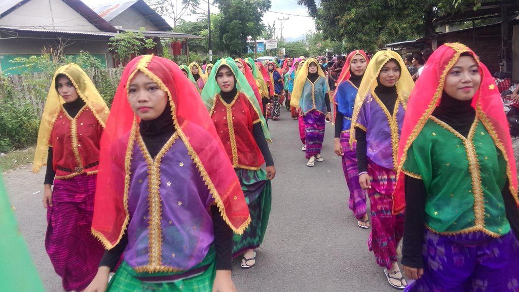 Meriahnya Festival Moyo Sumbawa dengan Karnaval dan Panggung Drama