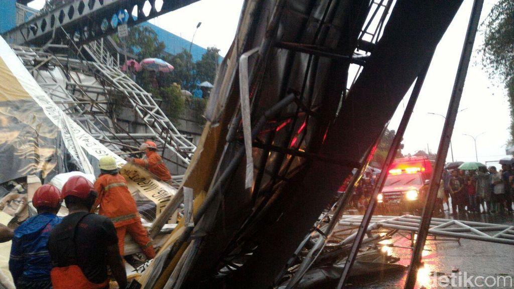 Polda Metro Minta Pertanggungjawaban Dishub Soal JPO Roboh di Pasar Minggu