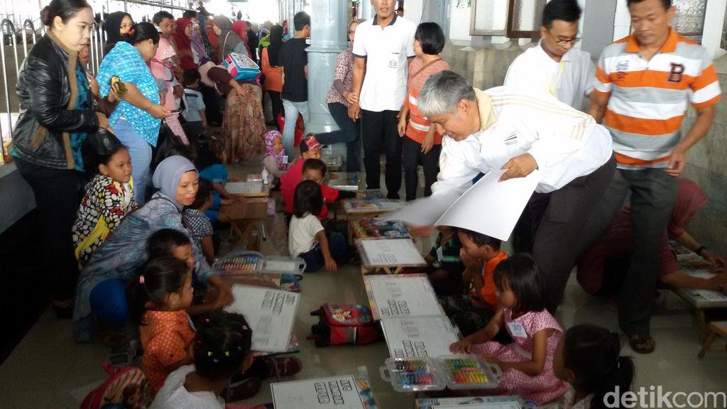 Cinta Kereta Api, Ratusan Anak Mewarnai Gambar Sepur di Stasiun Tugu Yogya