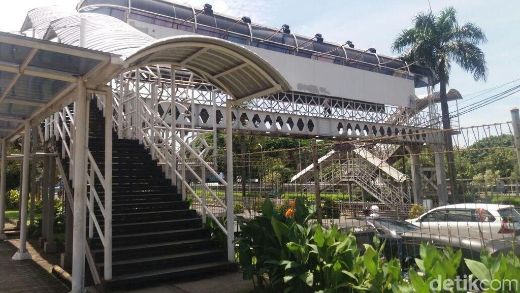 Kondisi Sejumlah JPO di Jakarta Memprihatinkan, Begini Penampakannya