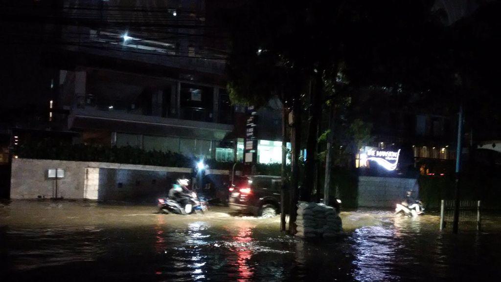 Lalu Lintas di Jalan Kemang Raya Jakarta Selatan Kembali Dibuka