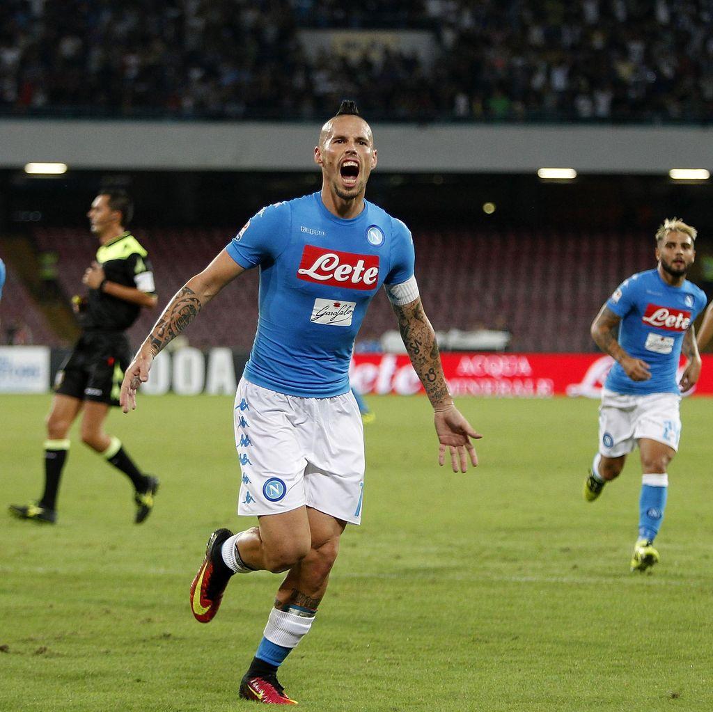Napoli Kalahkan Chievo 2-0