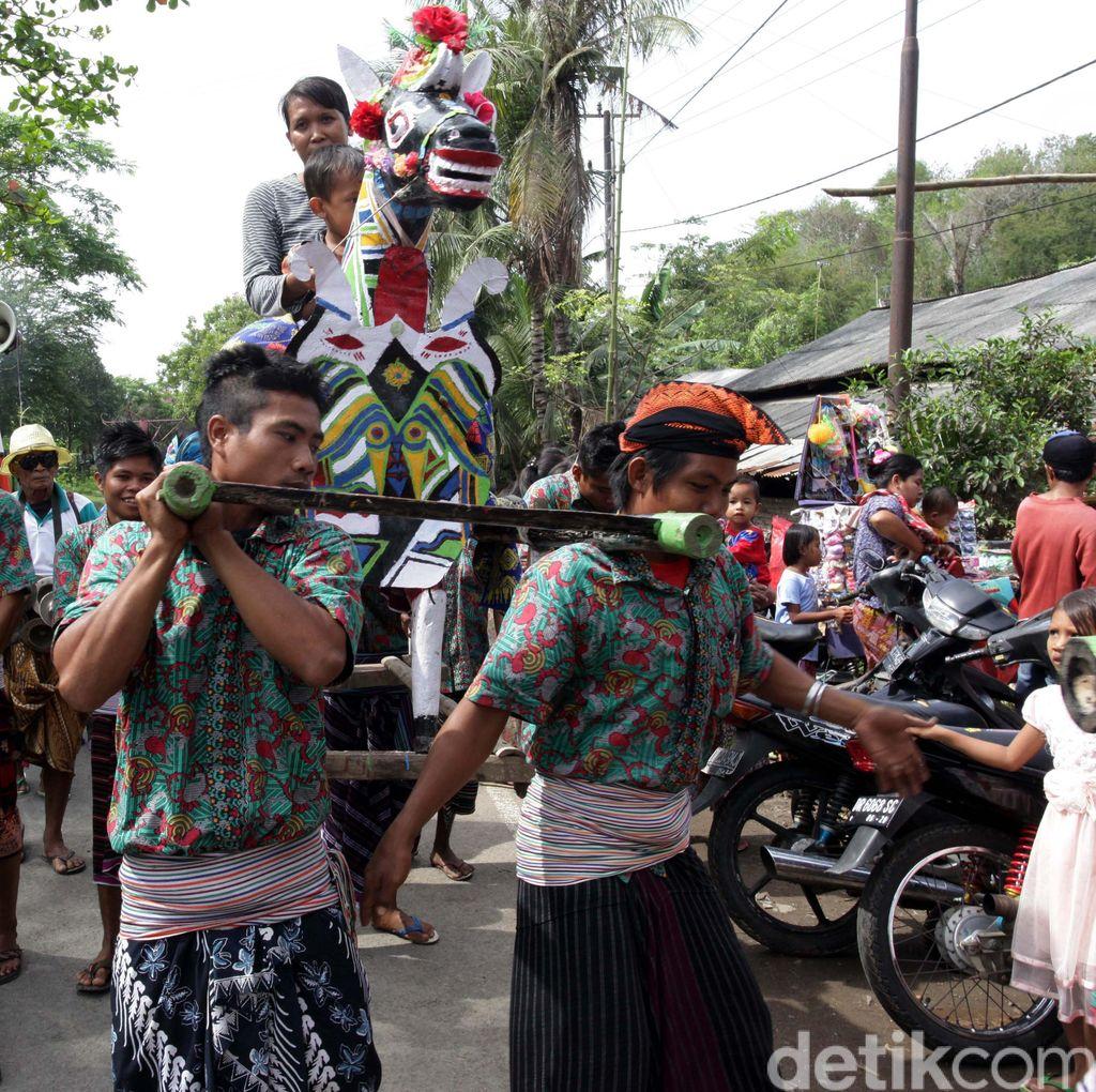 Praje Sunat di Lombok Tengah