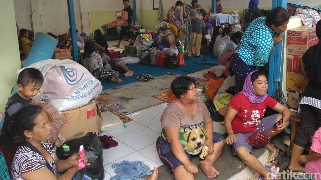 Donasi Pakaian Penuh, Korban Banjir Bandang Minta Perlengkapan Dapur dan Tidur