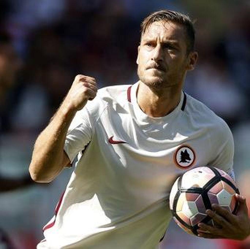 Sacchi Sebut Francesco Totti seperti Michael Jordan