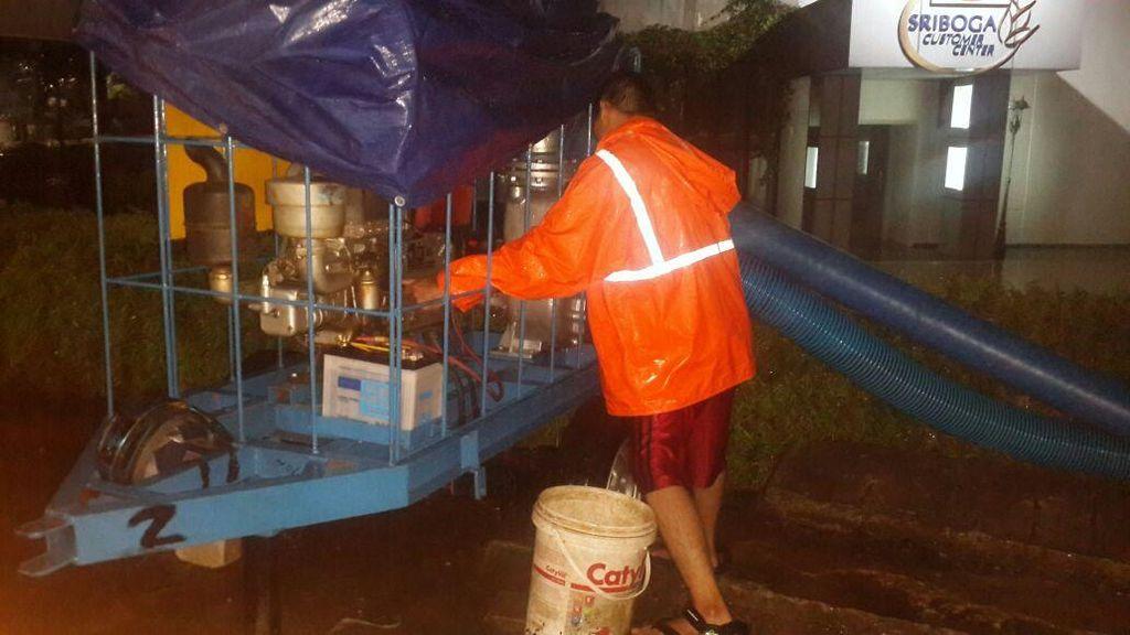 Kemang Raya Jakarta Selatan Banjir Lagi Setinggi 40 Cm