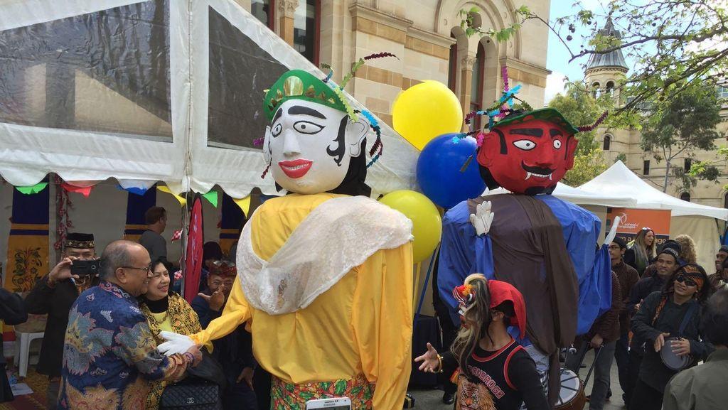 Ondel-ondel Betawi hingga Tari Tifa Papua Pukau Warga Adelaide