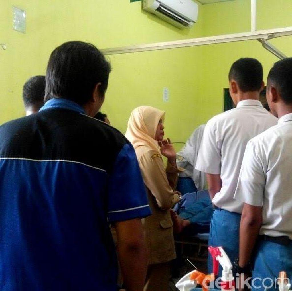 Gazebo SMA Favorit di Mojokerto Ambruk, Dua Siswi Terluka