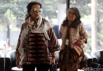 Istri Irman Gusman Datangi KPK