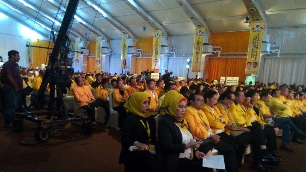 Golkar Kumpulkan Seluruh Kader di Pemerintahan dan Parlemen, Wiranto Hadir