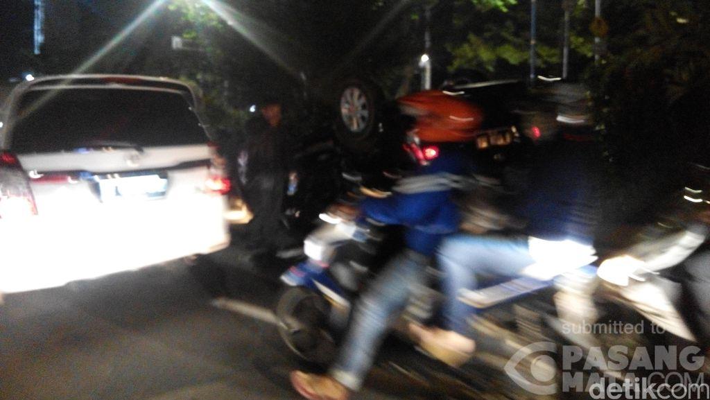 Sedan Terbalik di Jalan HR Rasuna Said, Lalin ke Menteng Sempat Macet