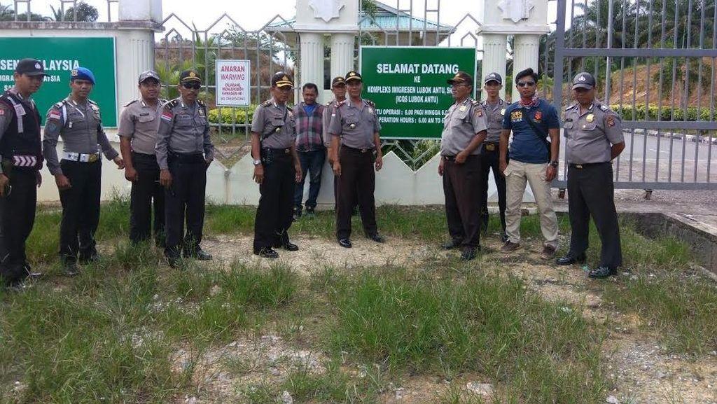 Kisah Polisi Berpatroli di Ujung Negeri