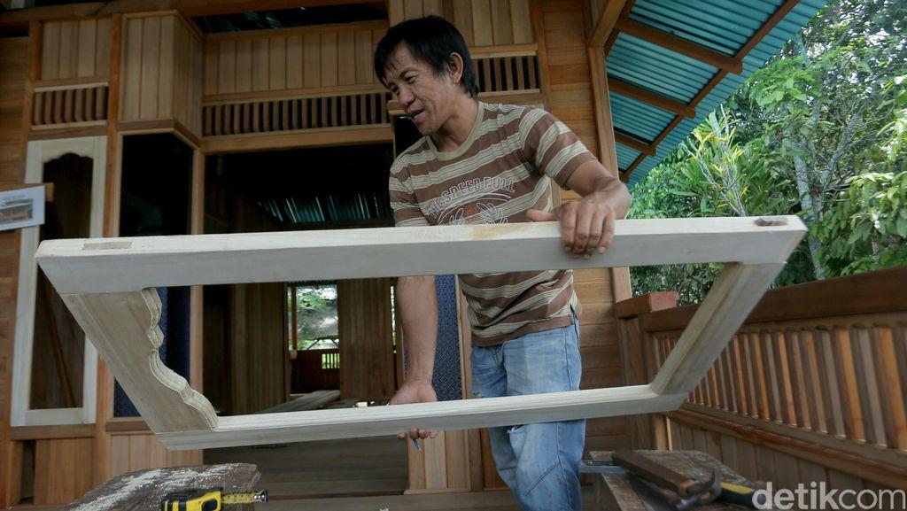 Mengintip Pembuatan Rumah Panggung Minahasa