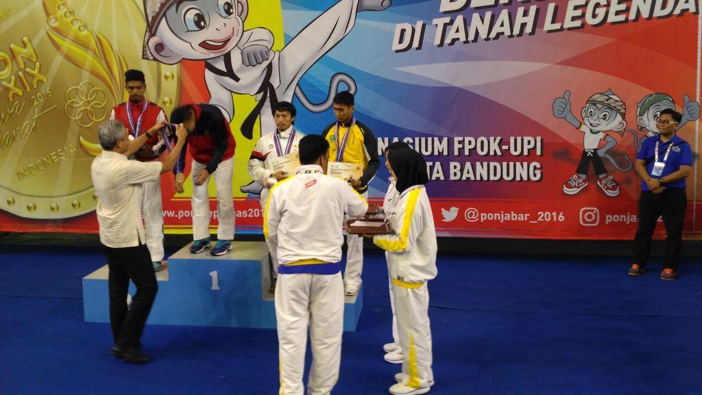 Ditonton Langsung oleh Ganjar, Taekwondoin Jateng Raih Dua Emas