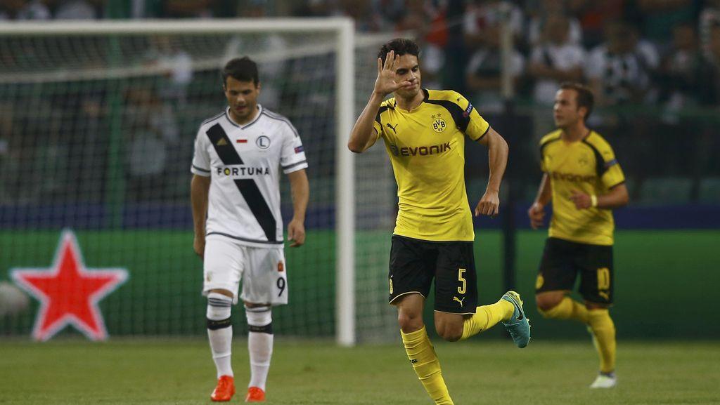 Bartra Senang Lebih Rutin Bermain di Dortmund