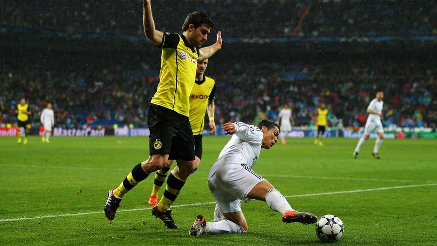 El Real Mencari Kemenangan Pertama di Signal Iduna Park