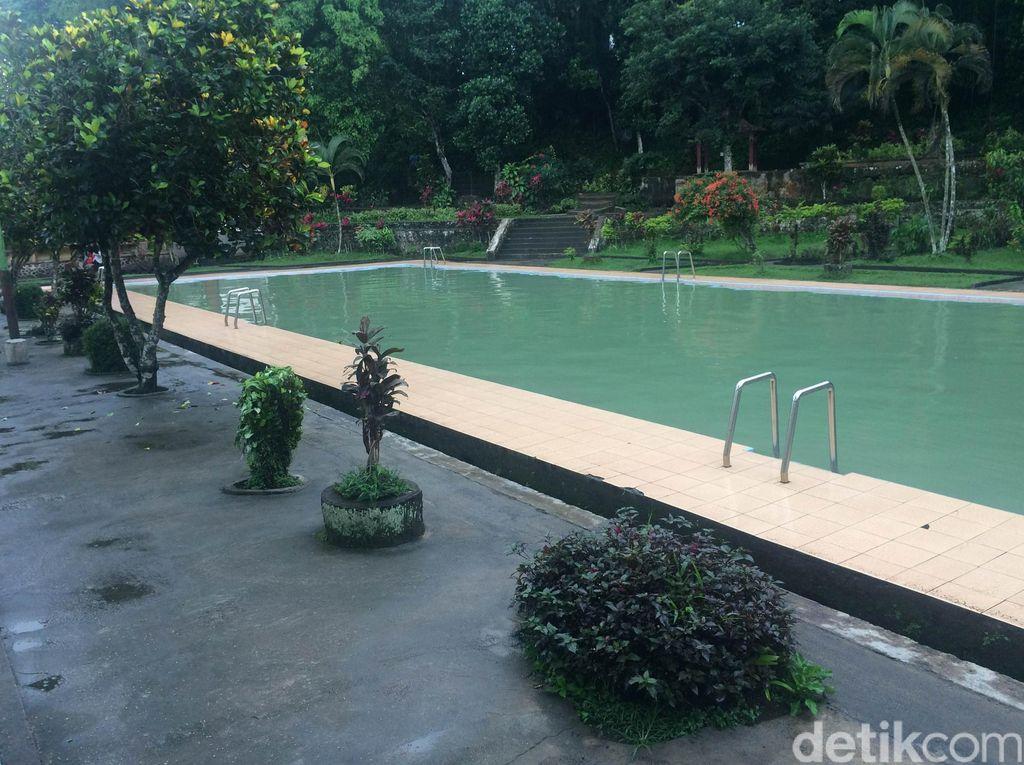 Penampakan Kolam Enteng Jodoh di Lombok